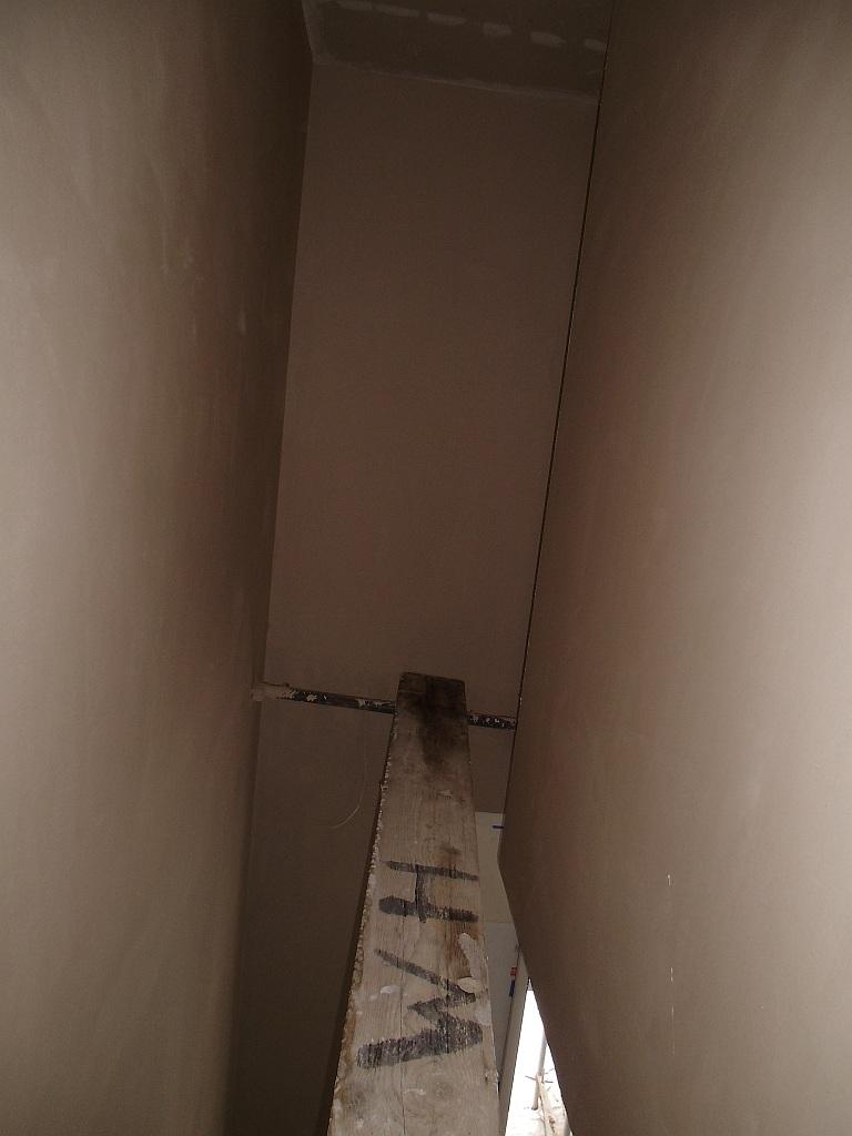 treppenhaus-verputzt