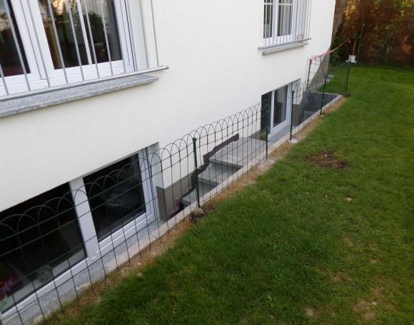 Treppe Lichtschacht Zaun Fertigbetonteil