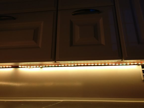 Küche Sockel beleuchtet